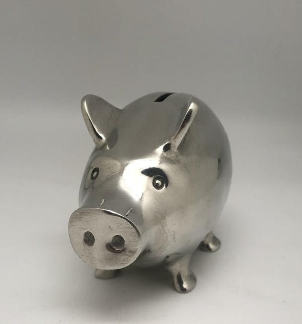 RH-PIG-101 L 10 cm L 13 cm H 9.5 cm.